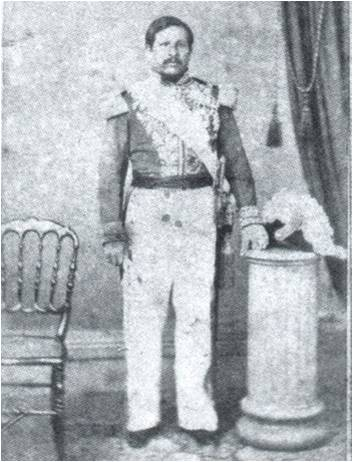 Fotografía de cuerpo entero del Presidente Rafael Carrera Turcios.