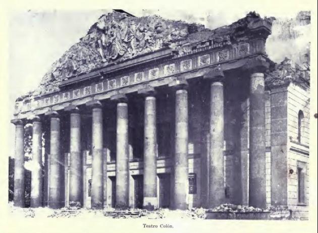 Estado del Teatro Colón luego de los terremotos de diciembre de 1917 y enero de 1918. Según el intelectual David Vela, los daños causados en el edificio no fueron de tanta gravedad como para justificar su demolición, que obedeció a móviles exclusivamente políticos.