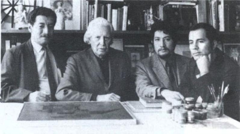 Los miembros del Grupo Vértebra, junto a Carlos Mérida, a quien consideraban su referente artístico y de quien se afirmaban herederos creativos.