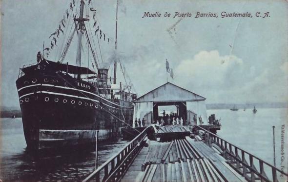 Muelle de madera creosotada de Puerto Barrios. (Fotografía Valdeavellano).